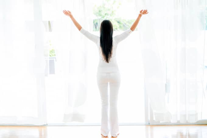 Cleaning Curtains and Air Drying - CurtainWorld